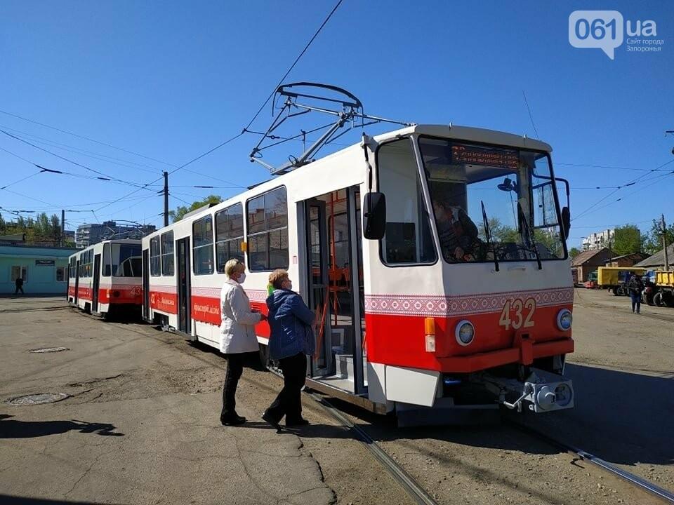 В Запорожье капитально отремонтировали еще два  трамвайных вагона за 600 тысяч гривен, фото-7