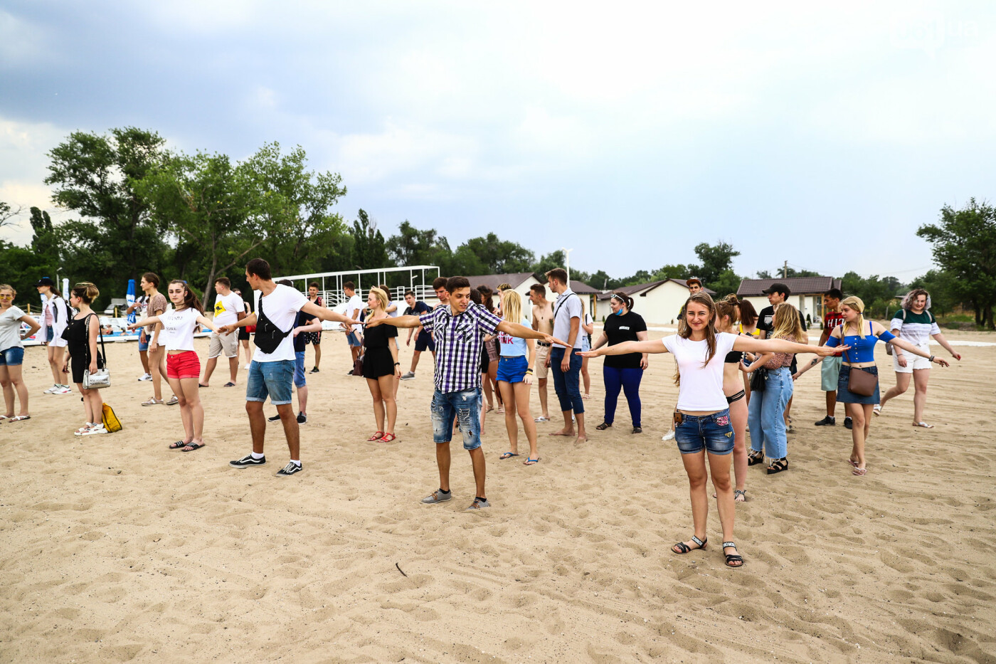 На пляже в Запорожье зажгли желто-синие дымовые шашки и установили рекорд Украины, - ФОТОРЕПОРТАЖ, фото-2