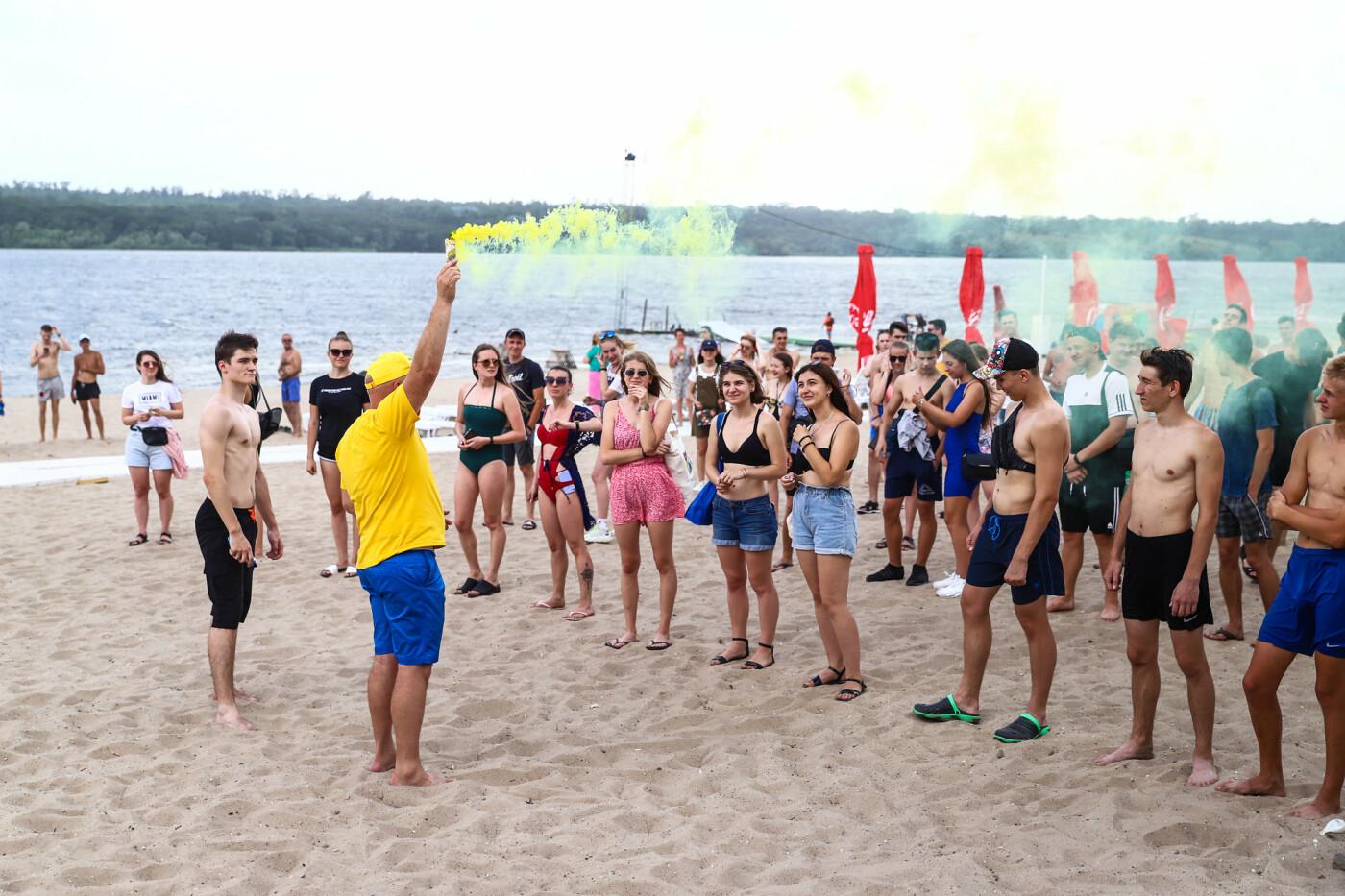 На пляже в Запорожье зажгли желто-синие дымовые шашки и установили рекорд Украины, - ФОТОРЕПОРТАЖ, фото-5