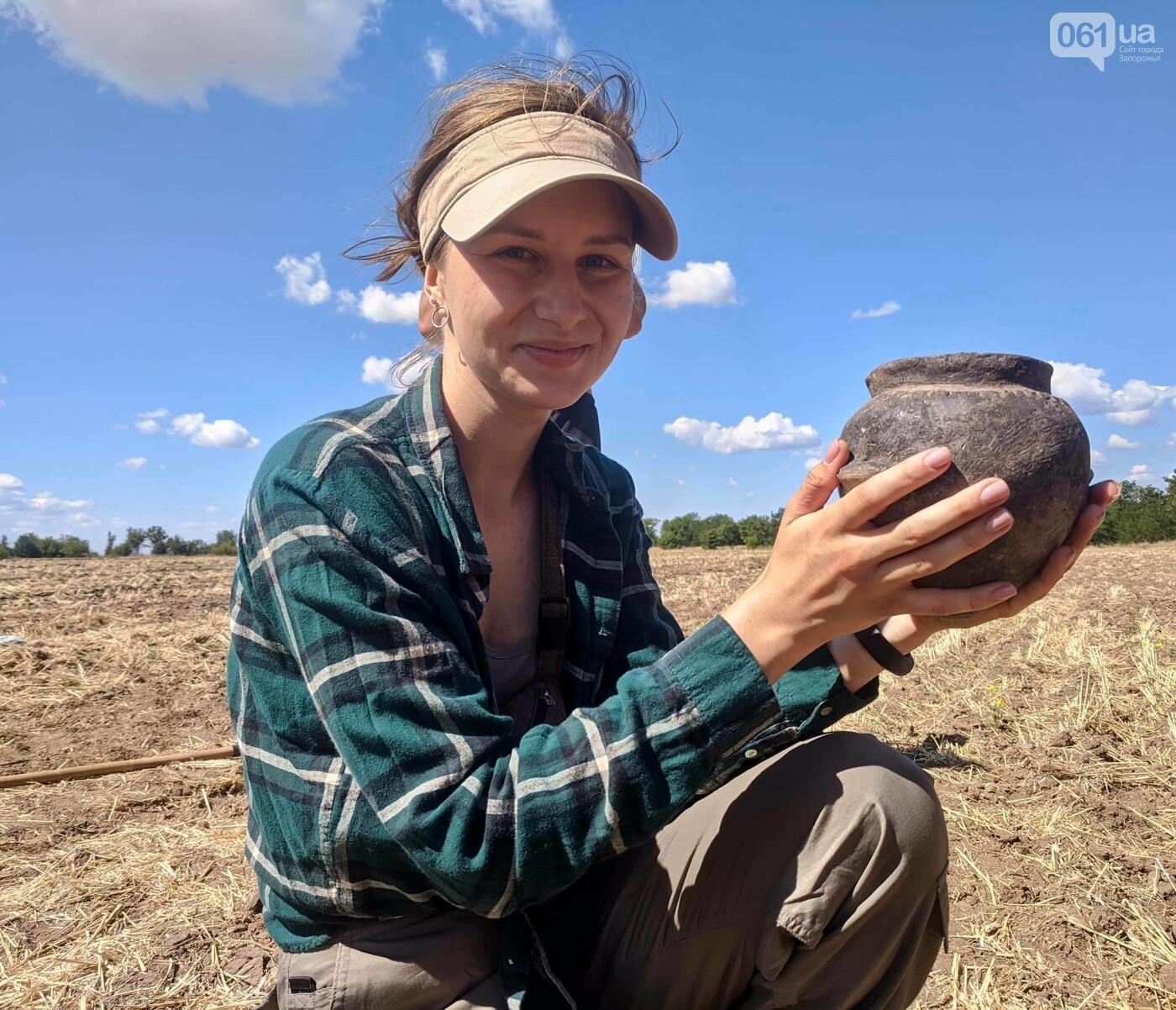 На раскопках Мамай-Горы заработал бульдозер: что уже удалось найти археологам, - ФОТО, фото-9