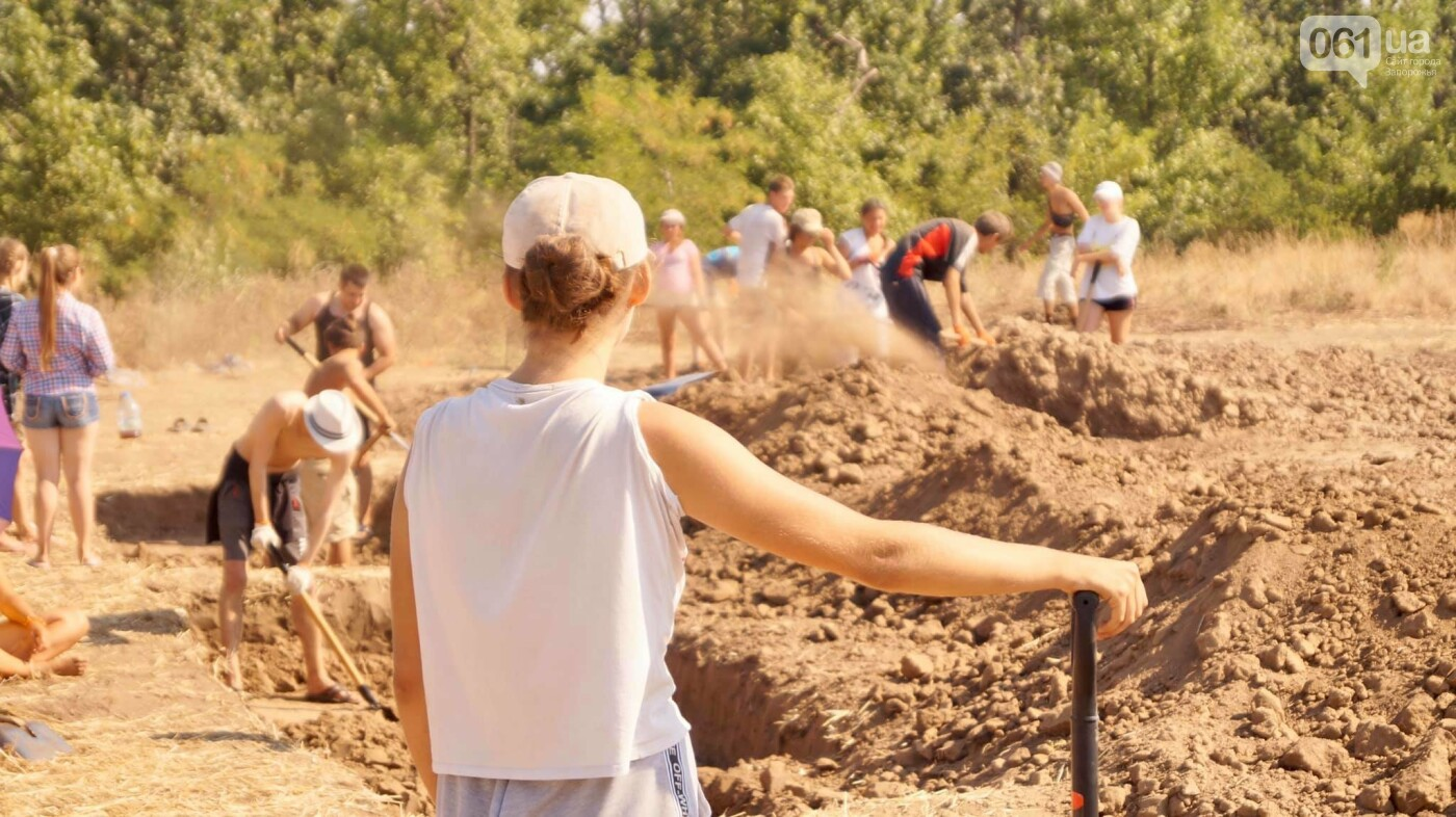 На раскопках Мамай-Горы заработал бульдозер: что уже удалось найти археологам, - ФОТО, фото-5