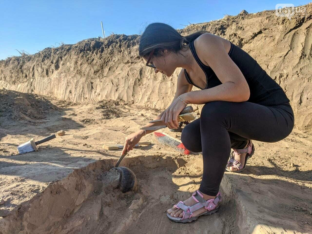 На раскопках Мамай-Горы заработал бульдозер: что уже удалось найти археологам, - ФОТО, фото-6