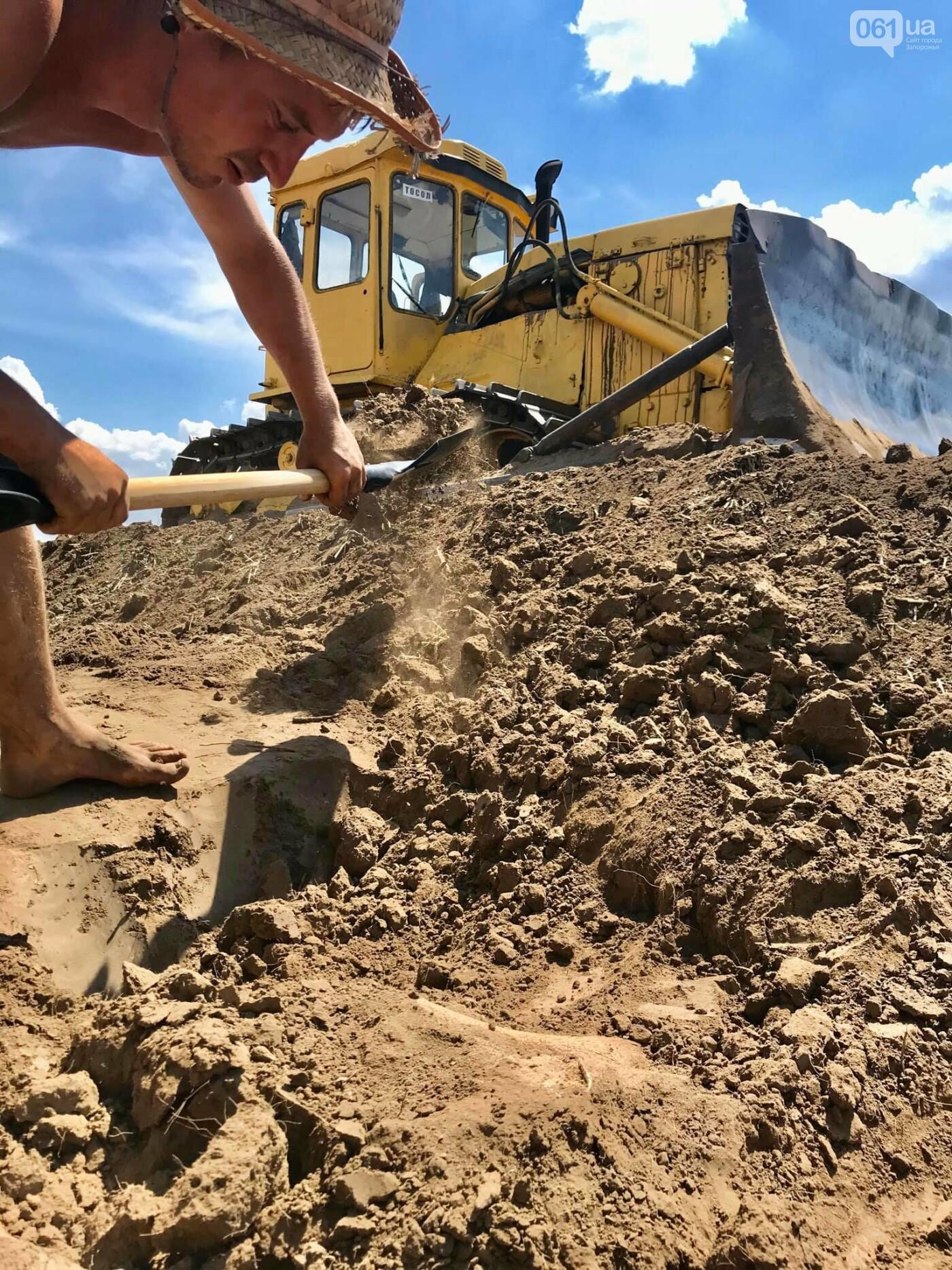 На раскопках Мамай-Горы заработал бульдозер: что уже удалось найти археологам, - ФОТО, фото-3
