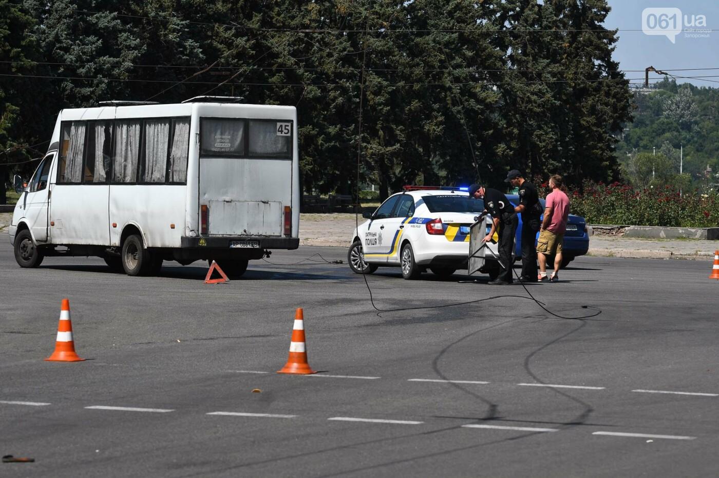 В Запорожье фура оборвала троллеи - провода упали на маршрутку, - ФОТО, фото-5
