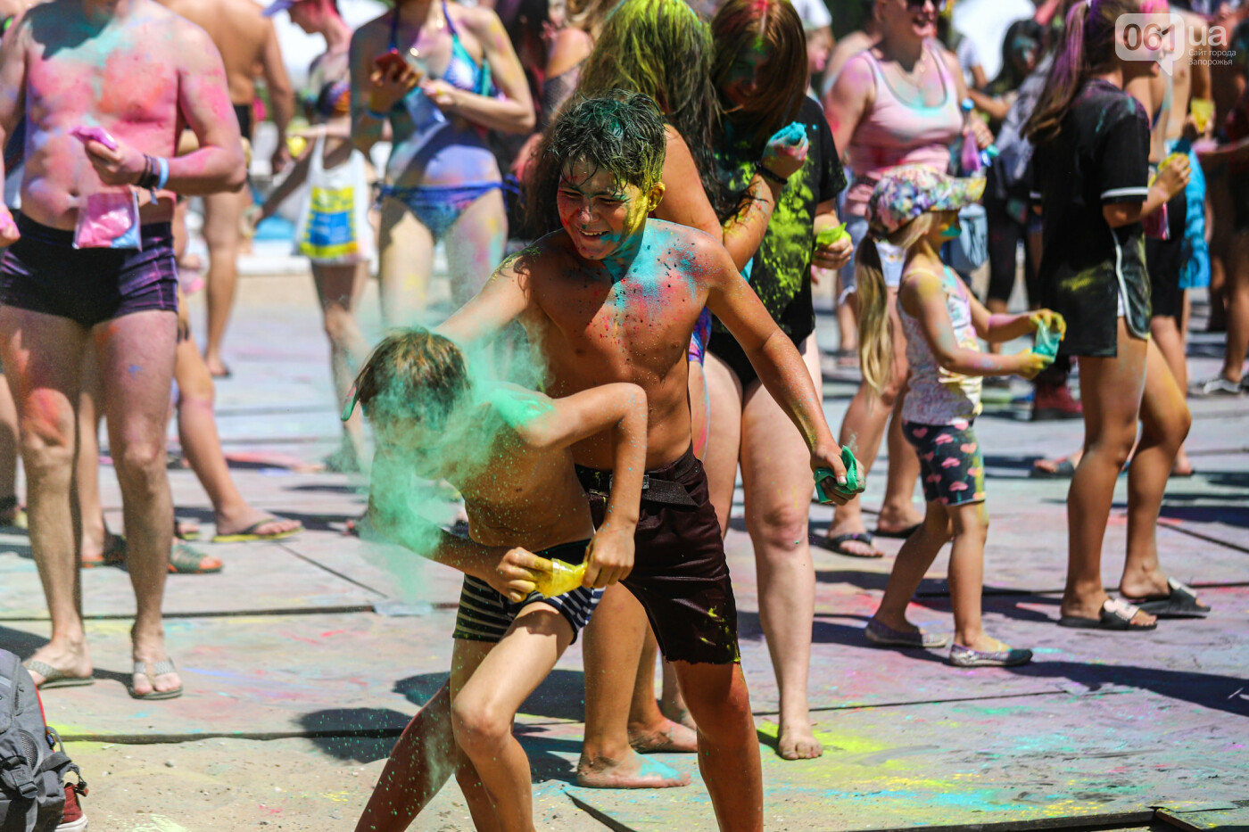 Сотни запорожцев приняли участие в фестивале красок Холи, - ФОТОРЕПОРТАЖ, фото-12