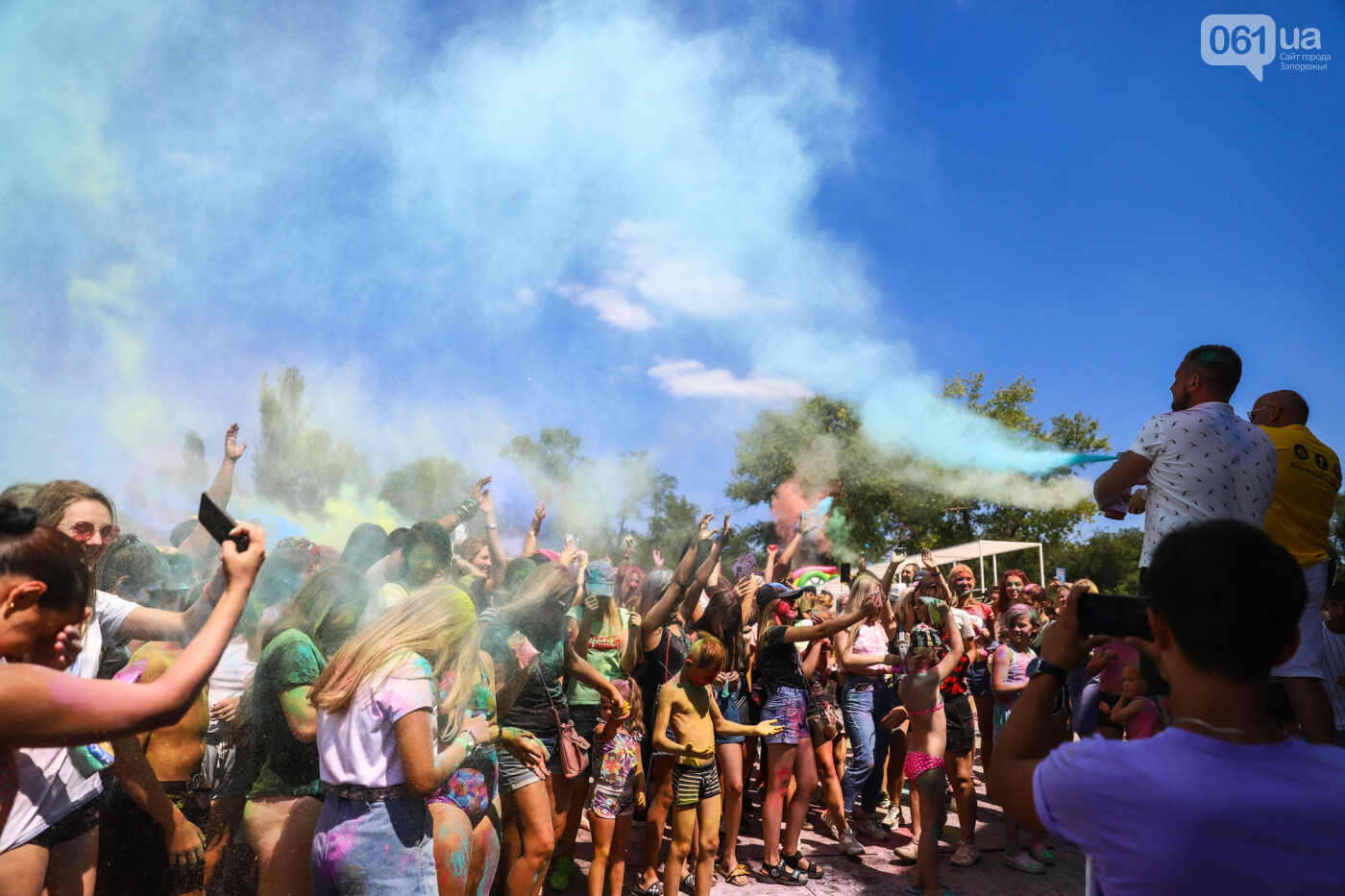 Сотни запорожцев приняли участие в фестивале красок Холи, - ФОТОРЕПОРТАЖ, фото-16