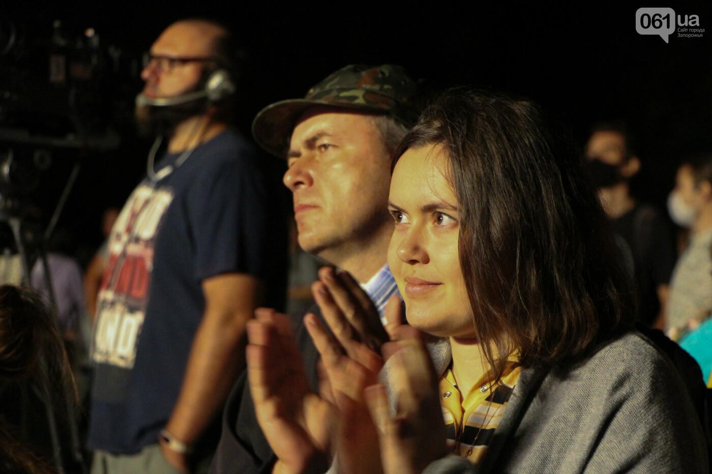 Концерт группы «Жадан і Собаки» собрал сотни запорожцев: как это было, - ФОТОРЕПОРТАЖ, фото-34