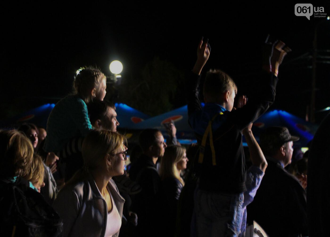 Концерт группы «Жадан і Собаки» собрал сотни запорожцев: как это было, - ФОТОРЕПОРТАЖ, фото-22