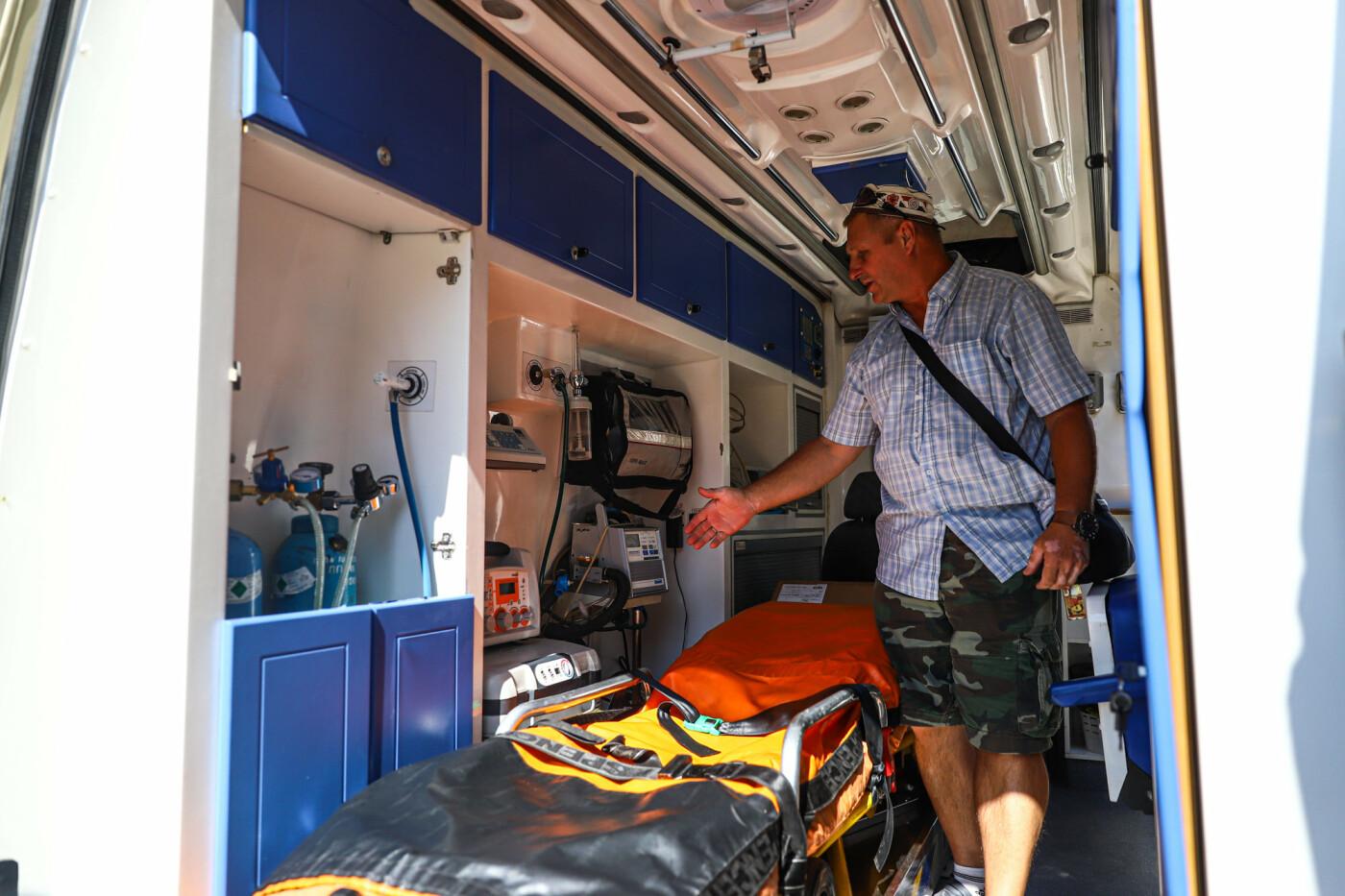 Запорожские медики скорой помощи получили транспортный аппарат ИВЛ стоимостью 200 тысяч гривен, - ФОТО, фото-6