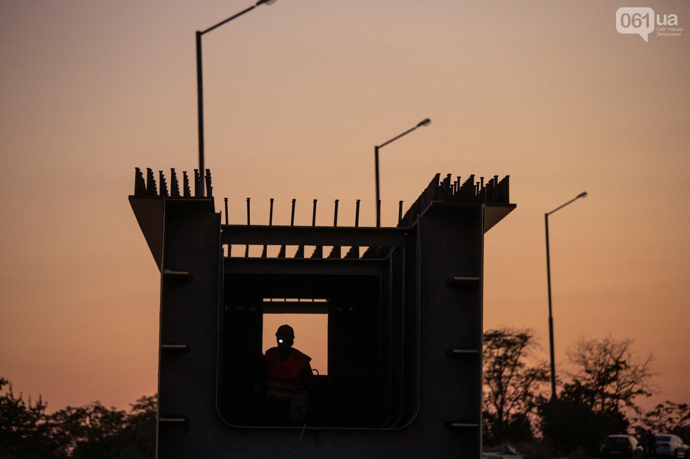 В Запорожье собирают балочный мост через Старый Днепр – строители работают даже ночью, - ФОТОРЕПОРТАЖ , фото-6