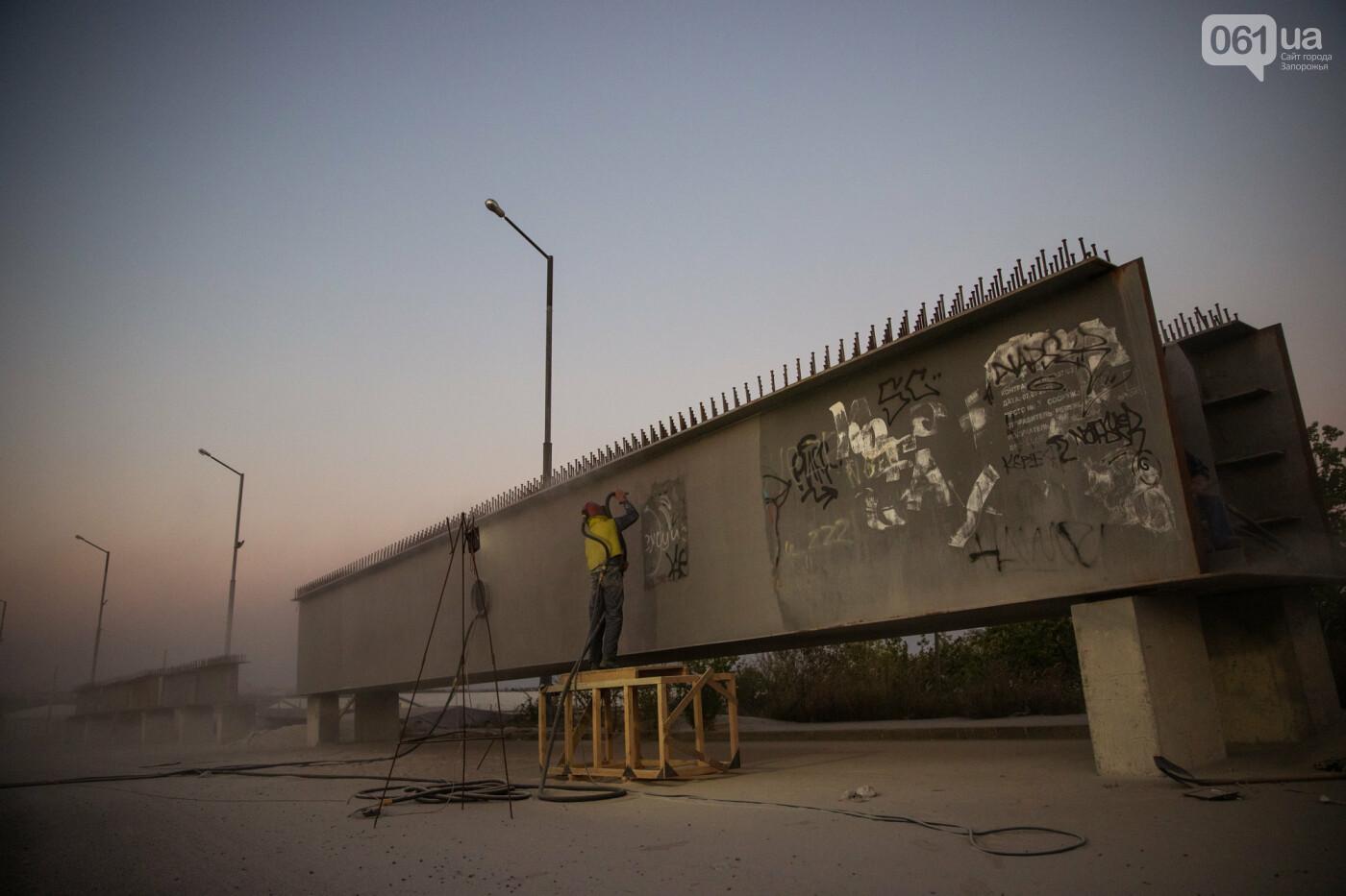 В Запорожье собирают балочный мост через Старый Днепр – строители работают даже ночью, - ФОТОРЕПОРТАЖ , фото-10