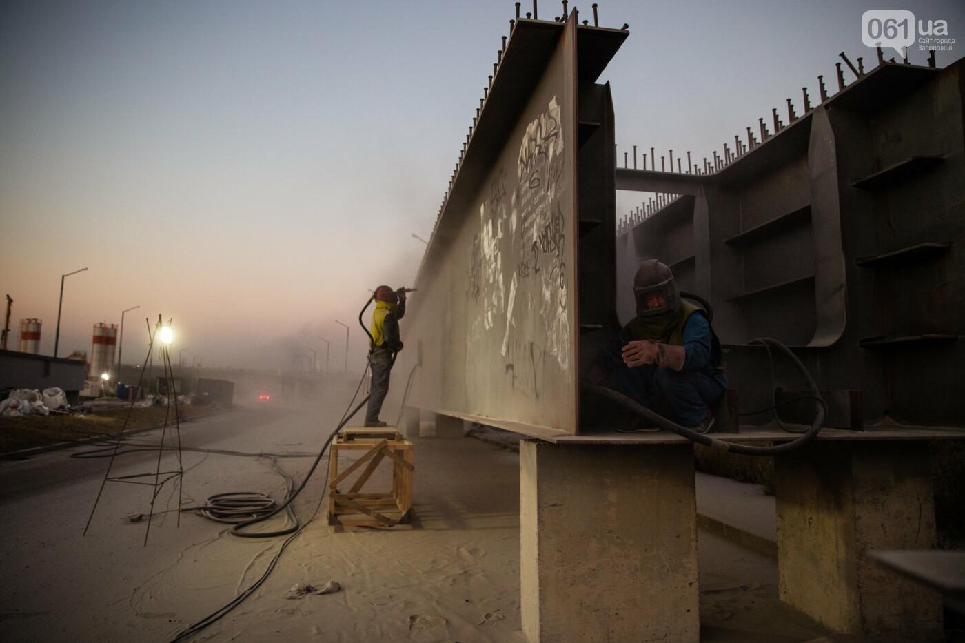 В Запорожье собирают балочный мост через Старый Днепр – строители работают даже ночью, - ФОТОРЕПОРТАЖ , фото-11