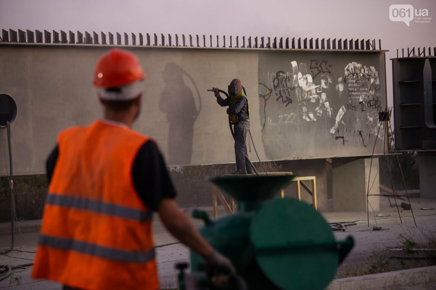 В Запорожье собирают балочный мост через Старый Днепр – строители работают даже ночью, - ФОТОРЕПОРТАЖ , фото-15