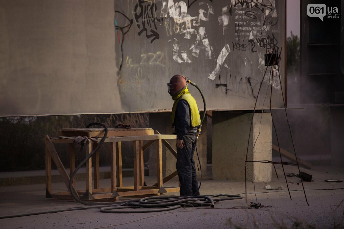 В Запорожье собирают балочный мост через Старый Днепр – строители работают даже ночью, - ФОТОРЕПОРТАЖ , фото-16
