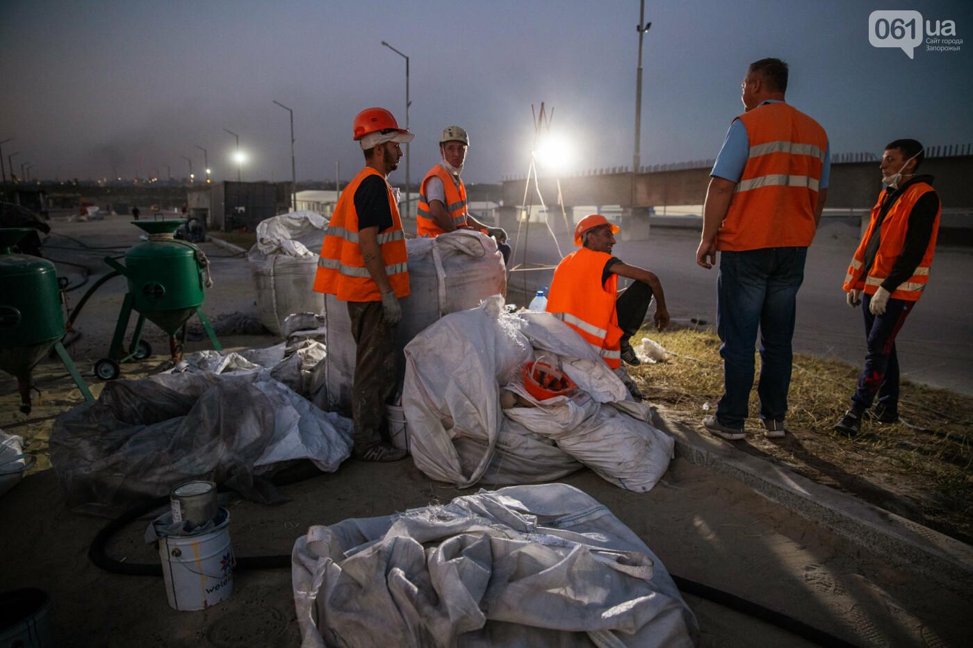 В Запорожье собирают балочный мост через Старый Днепр – строители работают даже ночью, - ФОТОРЕПОРТАЖ , фото-22