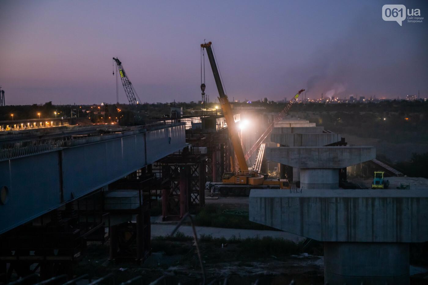 В Запорожье собирают балочный мост через Старый Днепр – строители работают даже ночью, - ФОТОРЕПОРТАЖ , фото-29