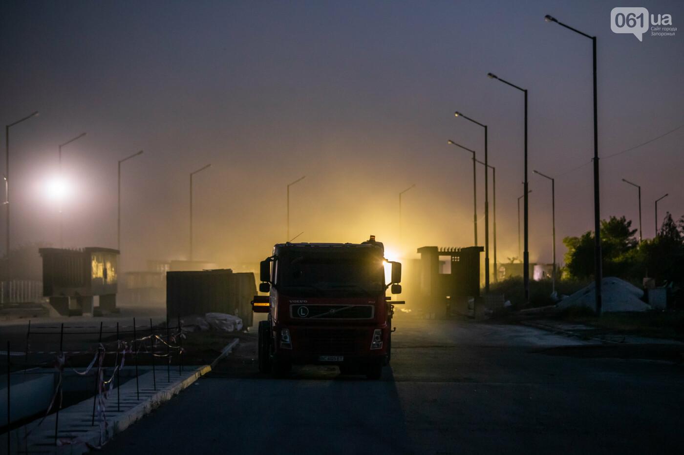 В Запорожье собирают балочный мост через Старый Днепр – строители работают даже ночью, - ФОТОРЕПОРТАЖ , фото-30
