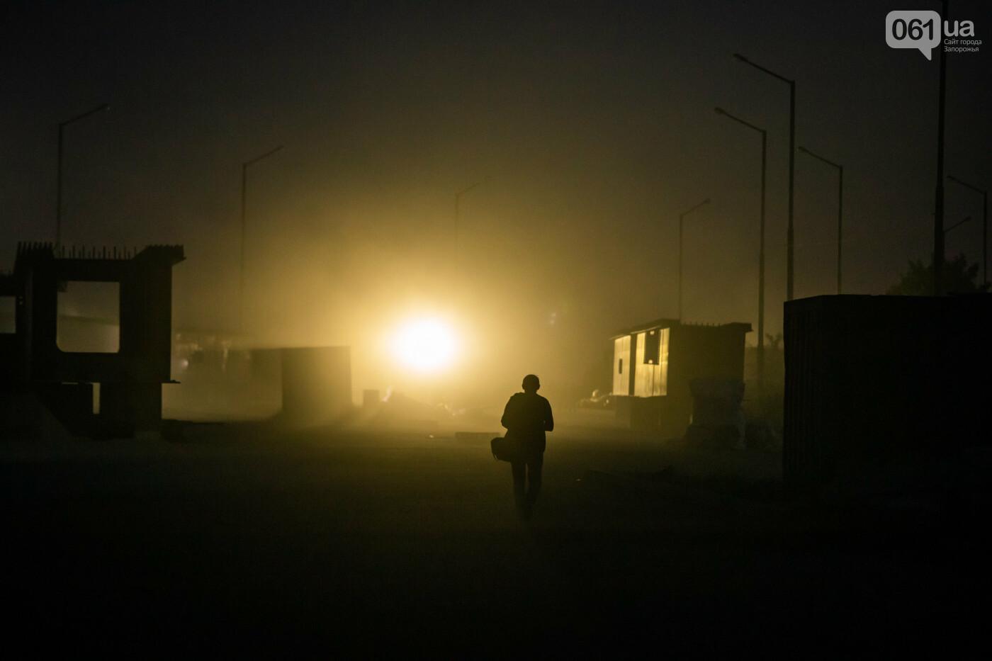 В Запорожье собирают балочный мост через Старый Днепр – строители работают даже ночью, - ФОТОРЕПОРТАЖ , фото-31