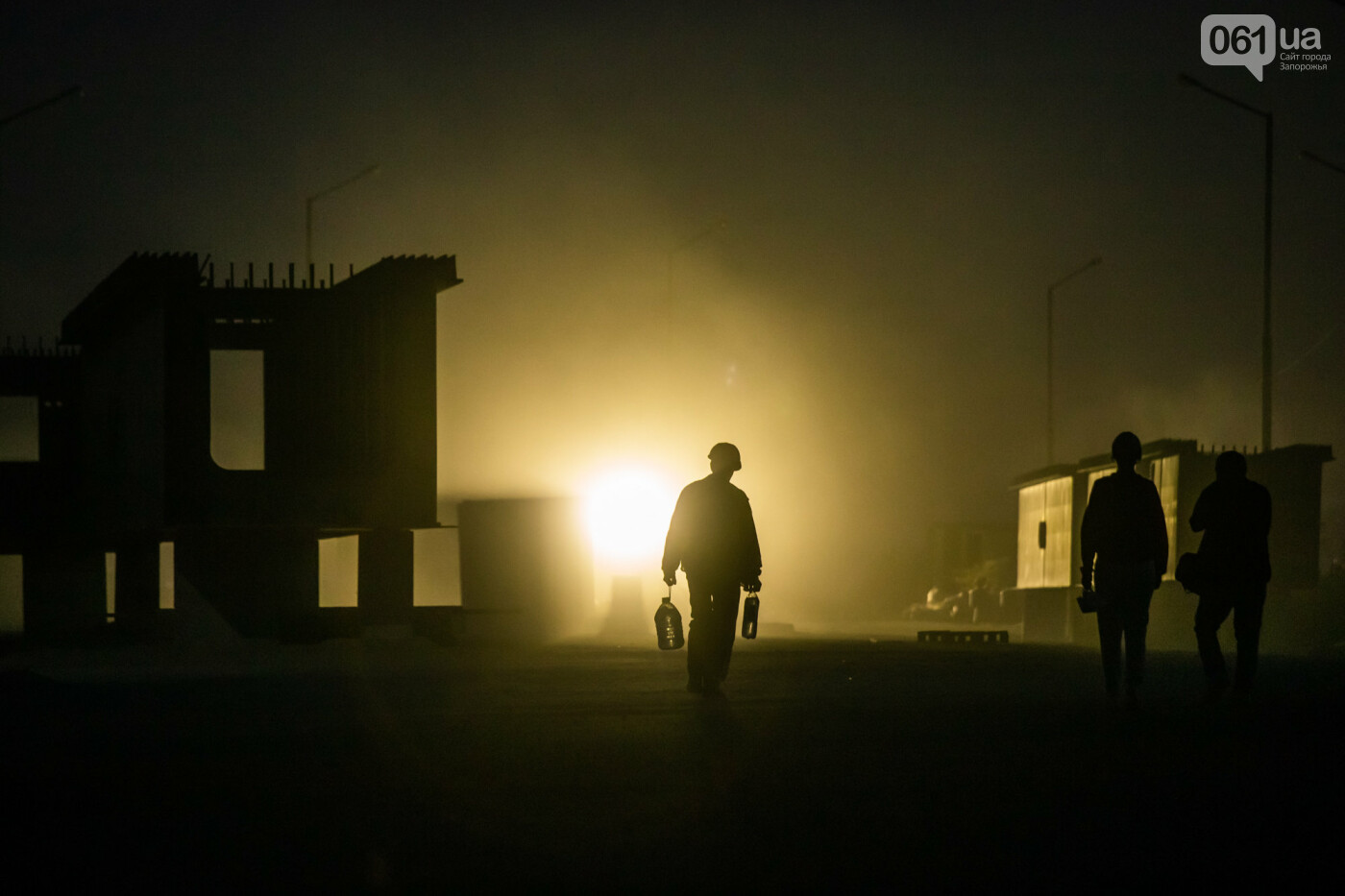 В Запорожье собирают балочный мост через Старый Днепр – строители работают даже ночью, - ФОТОРЕПОРТАЖ , фото-32