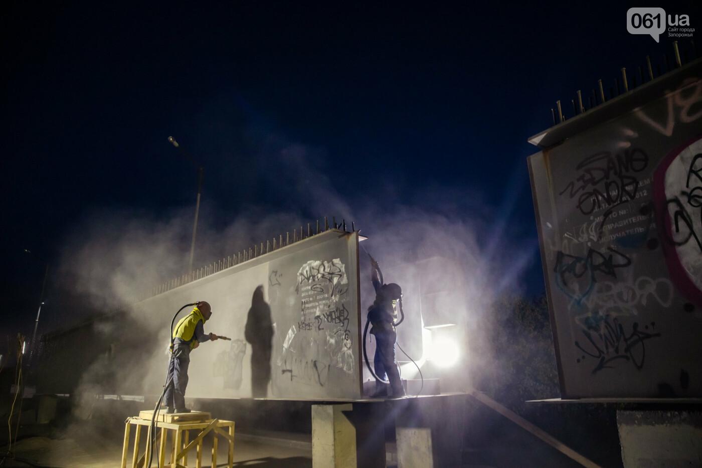 В Запорожье собирают балочный мост через Старый Днепр – строители работают даже ночью, - ФОТОРЕПОРТАЖ , фото-37