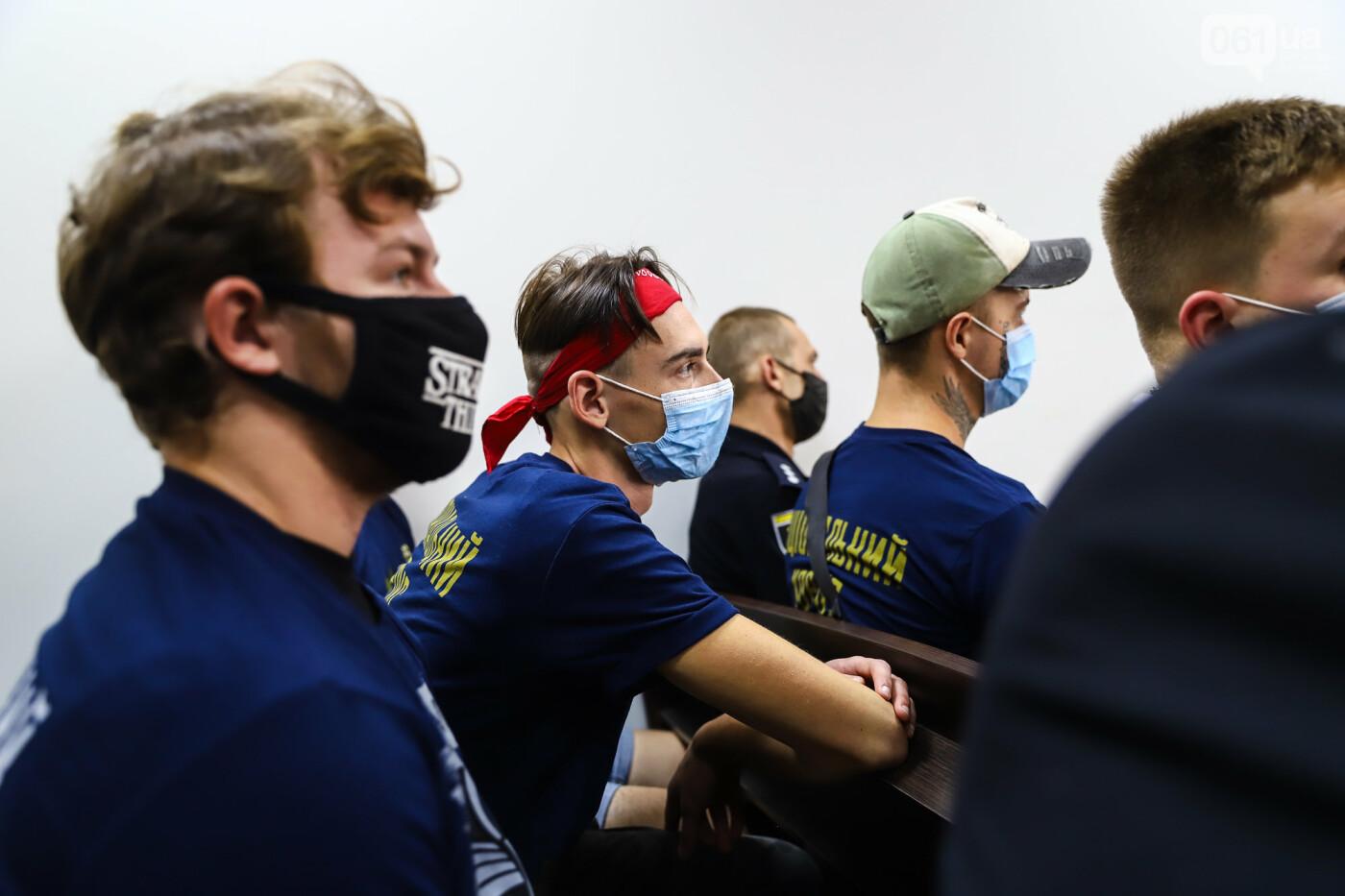 С митингами и аплодисментами: в Хортицком суде избрали меру пресечения для подозреваемых в нападении на агитпалатки ОПЗЖ, - ФОТО, фото-13