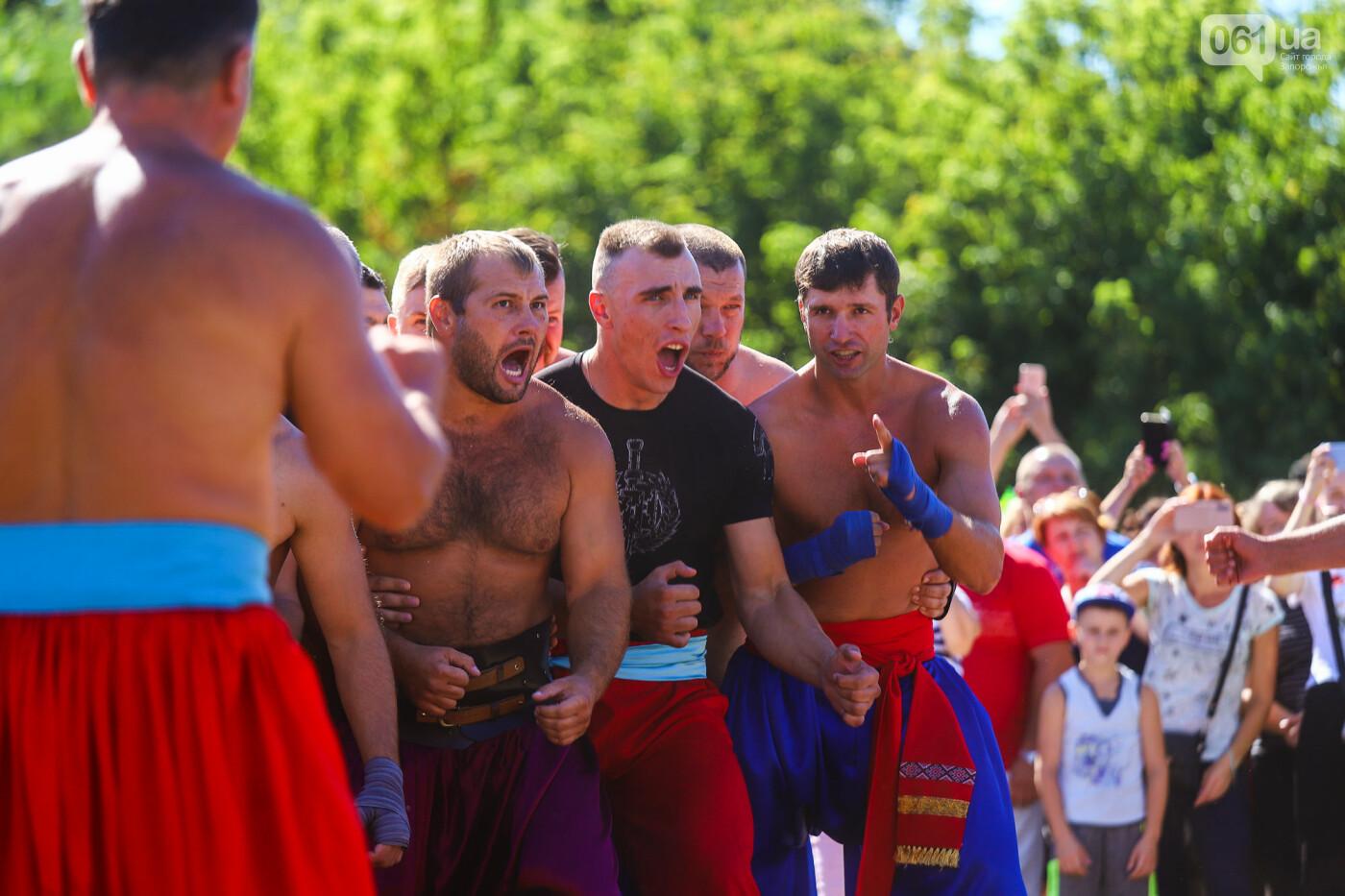 Фестивали, праздники, приезд Зеленского и ночная стройка мостов: август в фотографиях , фото-90