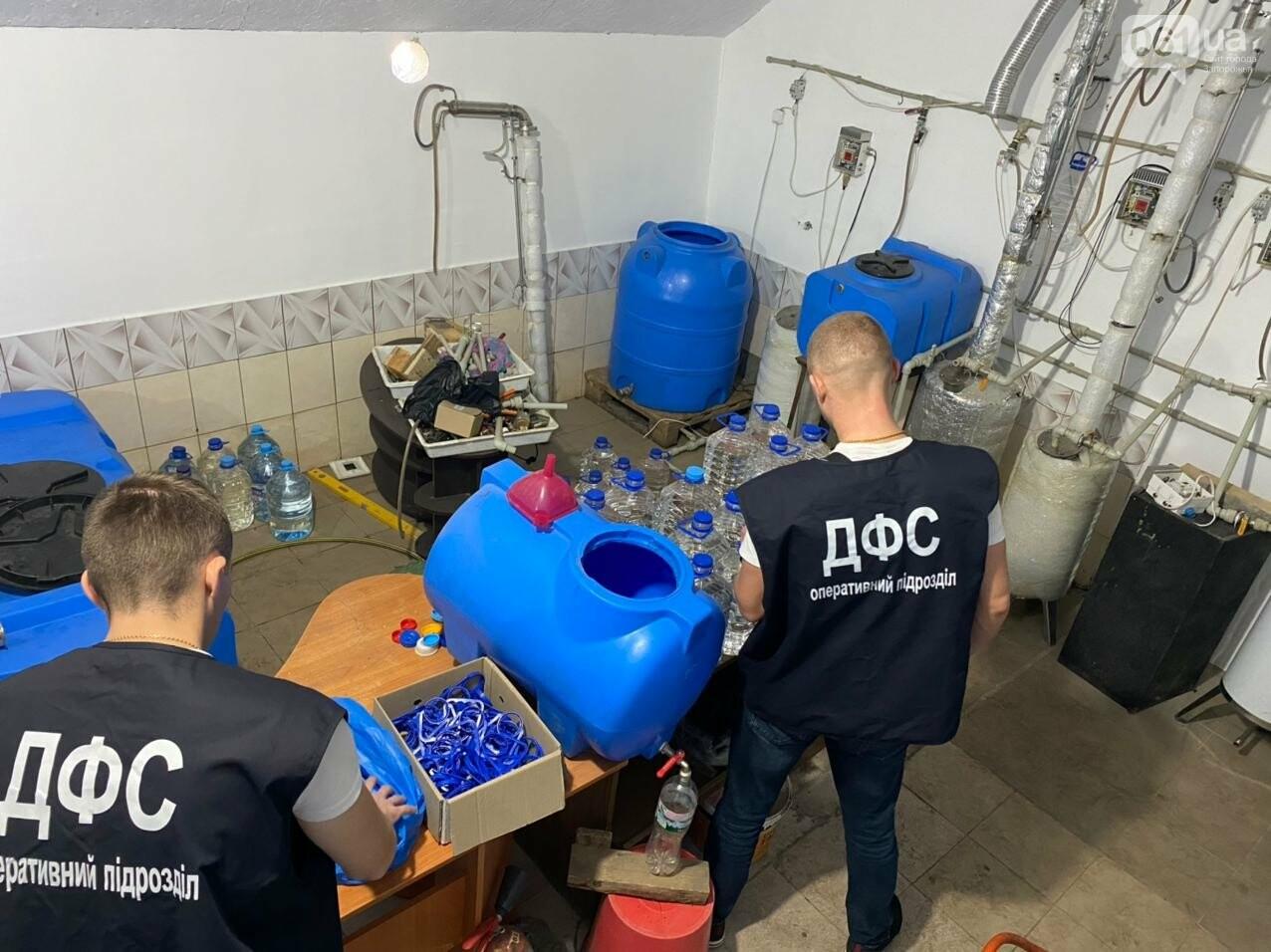 В Запорожской области накрыли подпольный цех по производству алкоголя, - ФОТО, фото-8