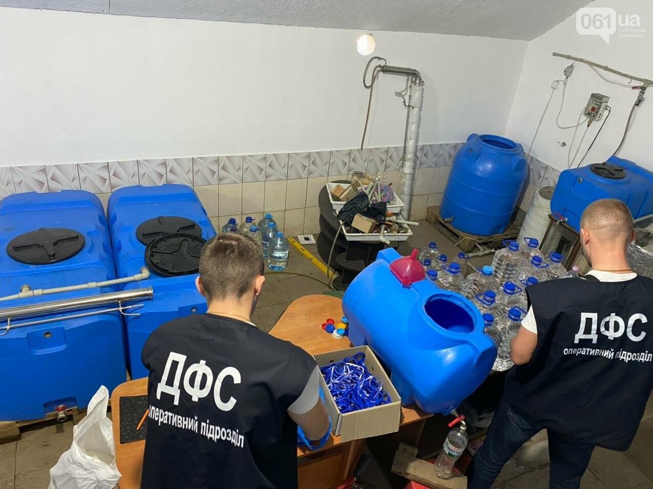В Запорожской области накрыли подпольный цех по производству алкоголя, - ФОТО, фото-9