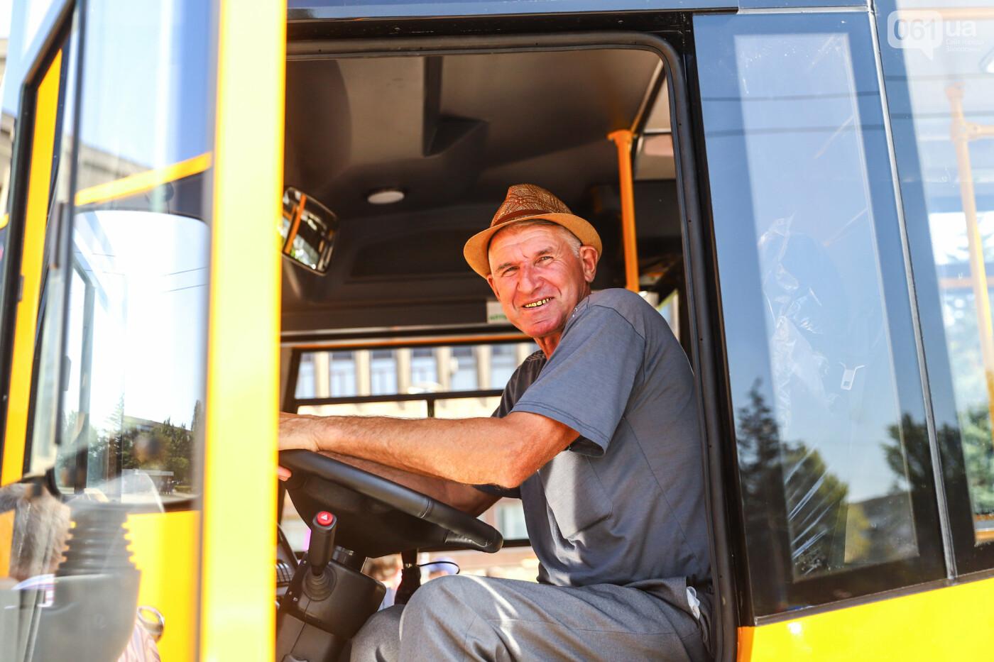 Громадам передали вторую партию школьных автобусов, собранных на ЗАЗ, - ФОТО, фото-4