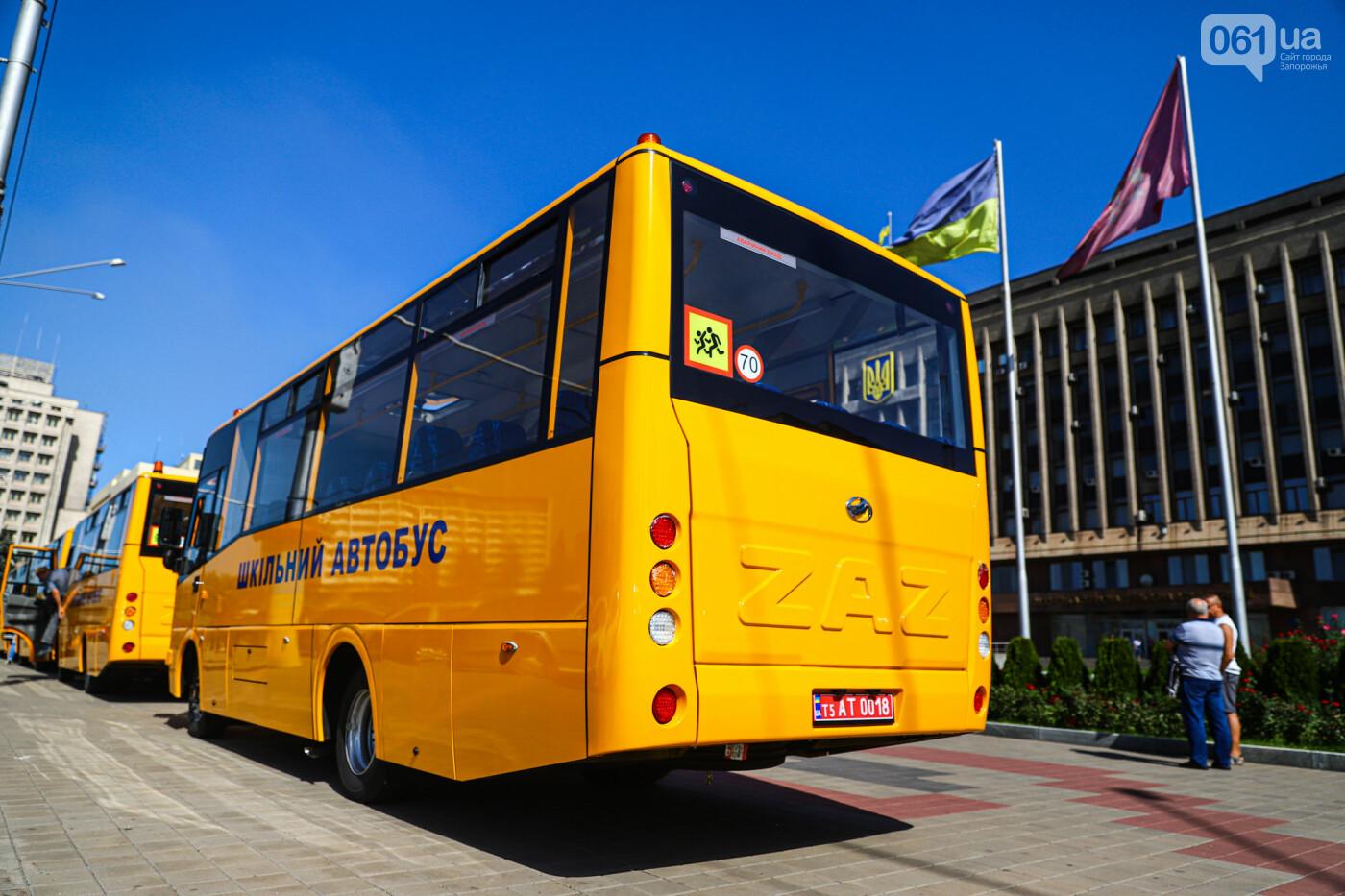 Громадам передали вторую партию школьных автобусов, собранных на ЗАЗ, - ФОТО, фото-9