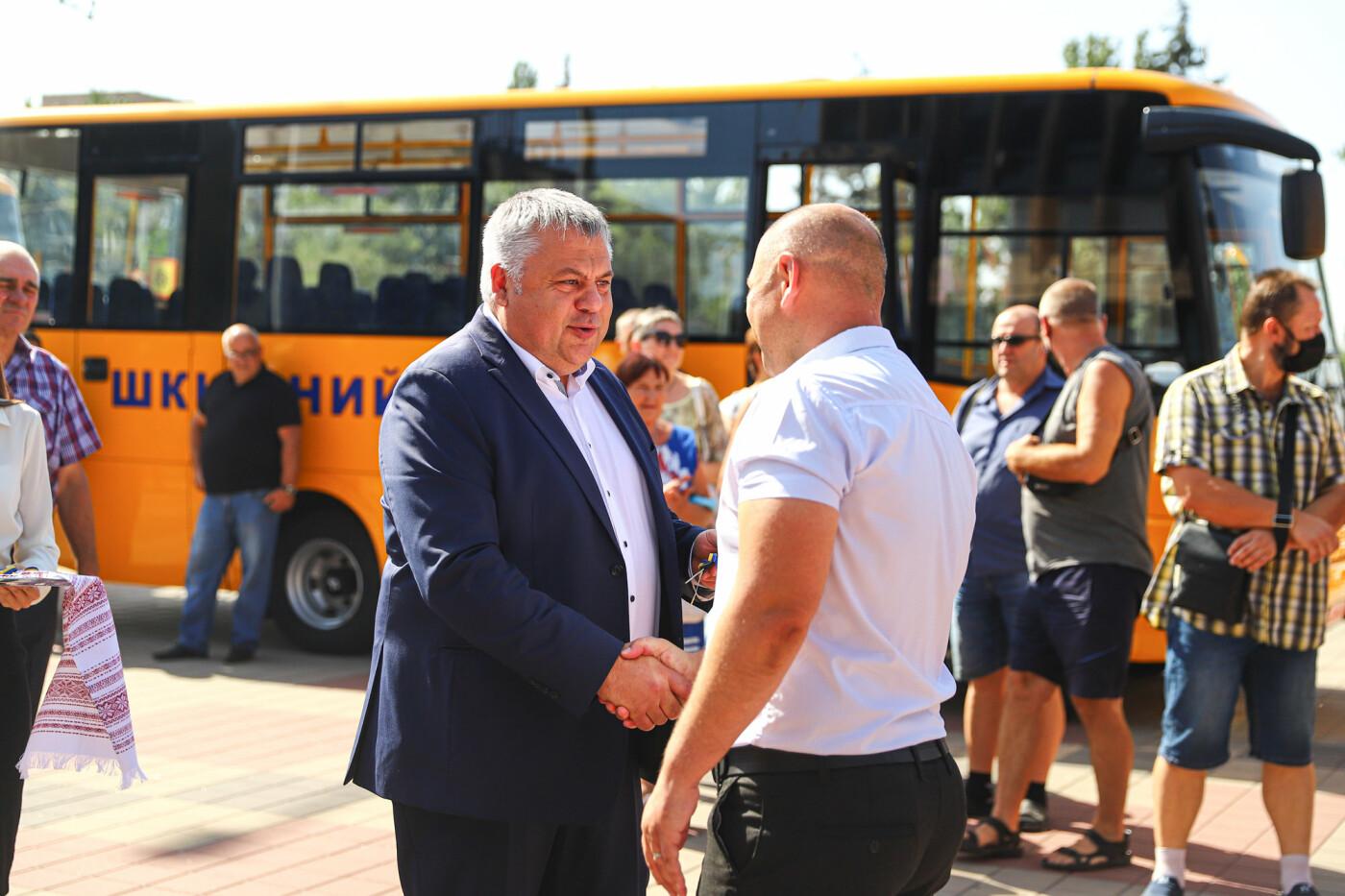 Громадам передали вторую партию школьных автобусов, собранных на ЗАЗ, - ФОТО, фото-10