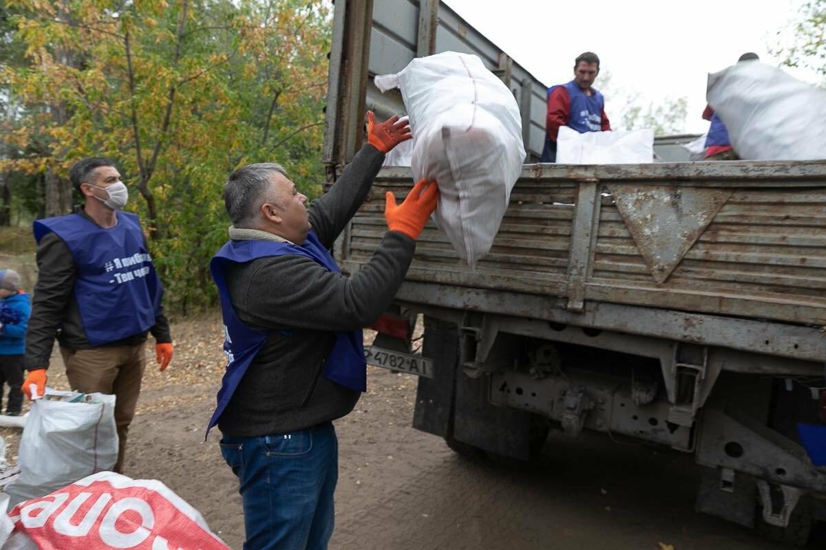 Губернатор Боговін взяв участь в волонтерській акції, фото-6