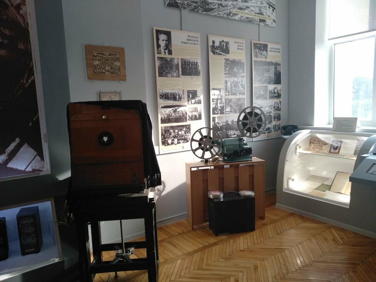 Роботы-официанты, ретро-экспонаты и физические эксперименты: как в Запорожье прошла «Ночь науки», фото-11