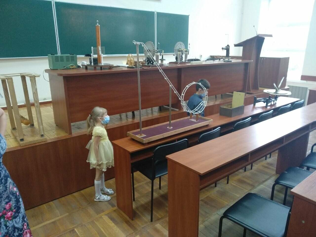 Роботы-официанты, ретро-экспонаты и физические эксперименты: как в Запорожье прошла «Ночь науки», фото-24