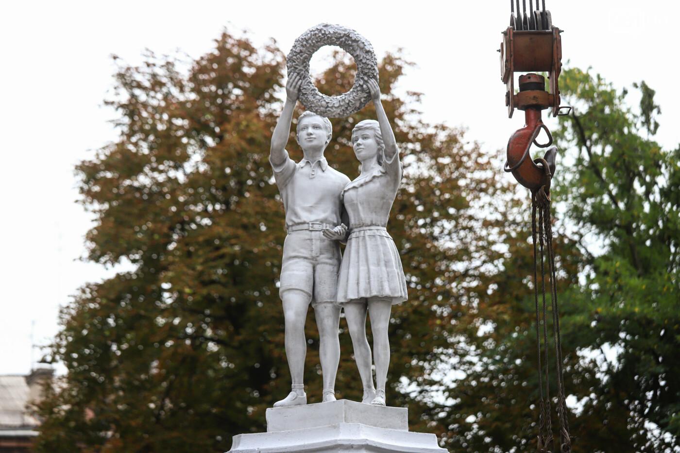 ЛГБТ-прайд, эко-митинг и восстановленные скульптуры в сквере Пионеров: сентябрь в фотографиях , фото-135