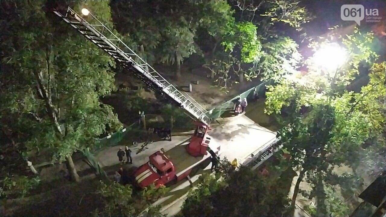 В Запорожье пожар в 9-этажном доме тушили 35 спасателей, сгорело 4 балкона, еще 3 - повреждено, фото-2