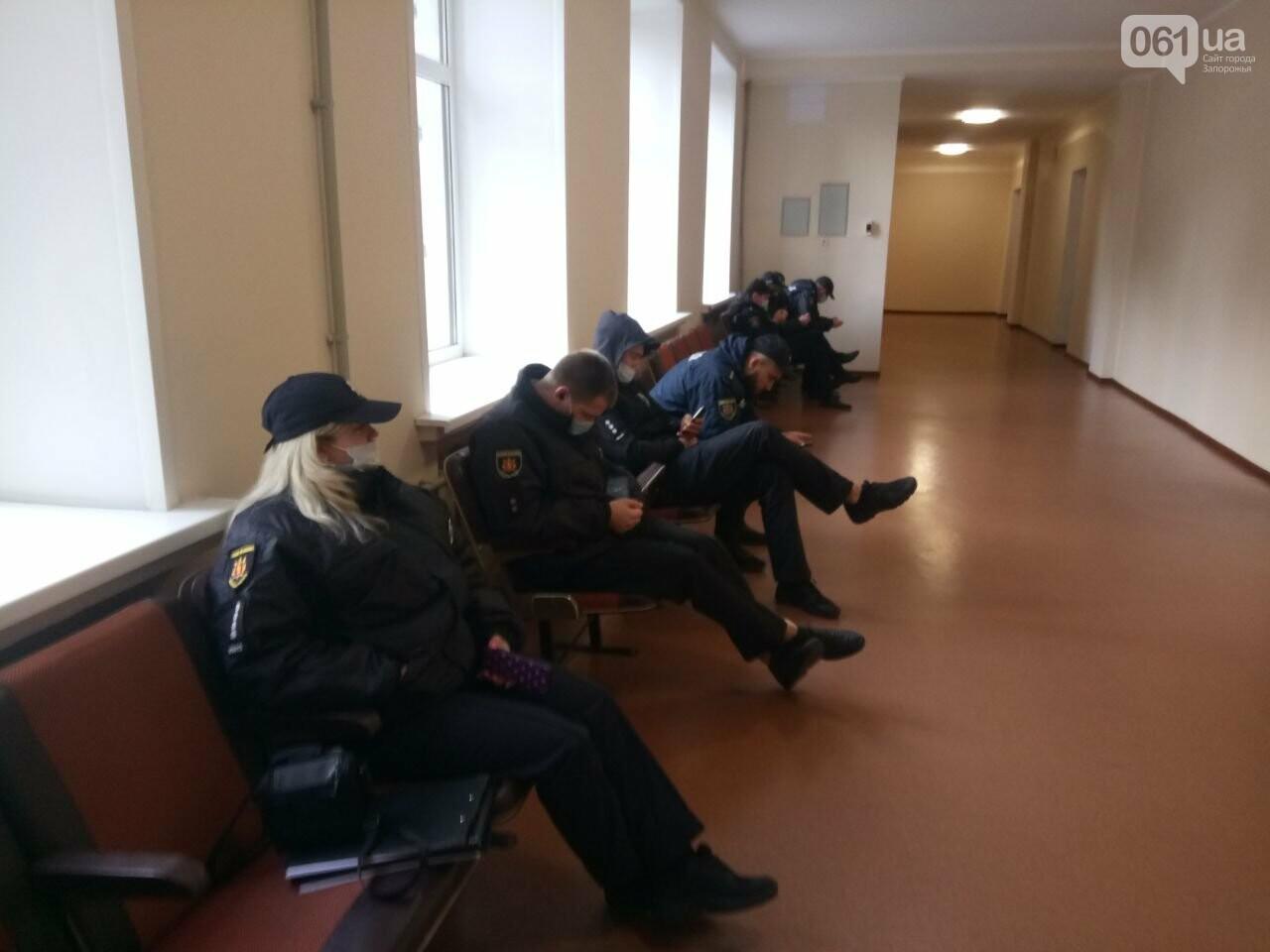 Запорожские депутаты собрались на сессию, на которую не пускают журналистов: почему это незаконно , фото-2