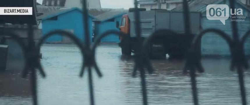 В сети показали, как выглядит затопленная Кирилловка с высоты птичьего полета, - ВИДЕО, фото-4