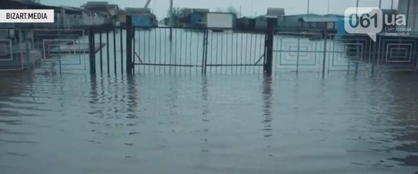 В сети показали, как выглядит затопленная Кирилловка с высоты птичьего полета, - ВИДЕО, фото-3
