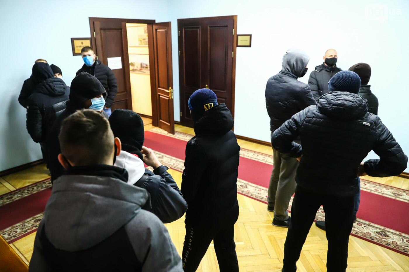 """Тайная """"сессия"""", сотни правоохранителей и стычки с активистами - что происходило в здании Запорожского облсовета, - ФОТО, ВИДЕО , фото-14"""