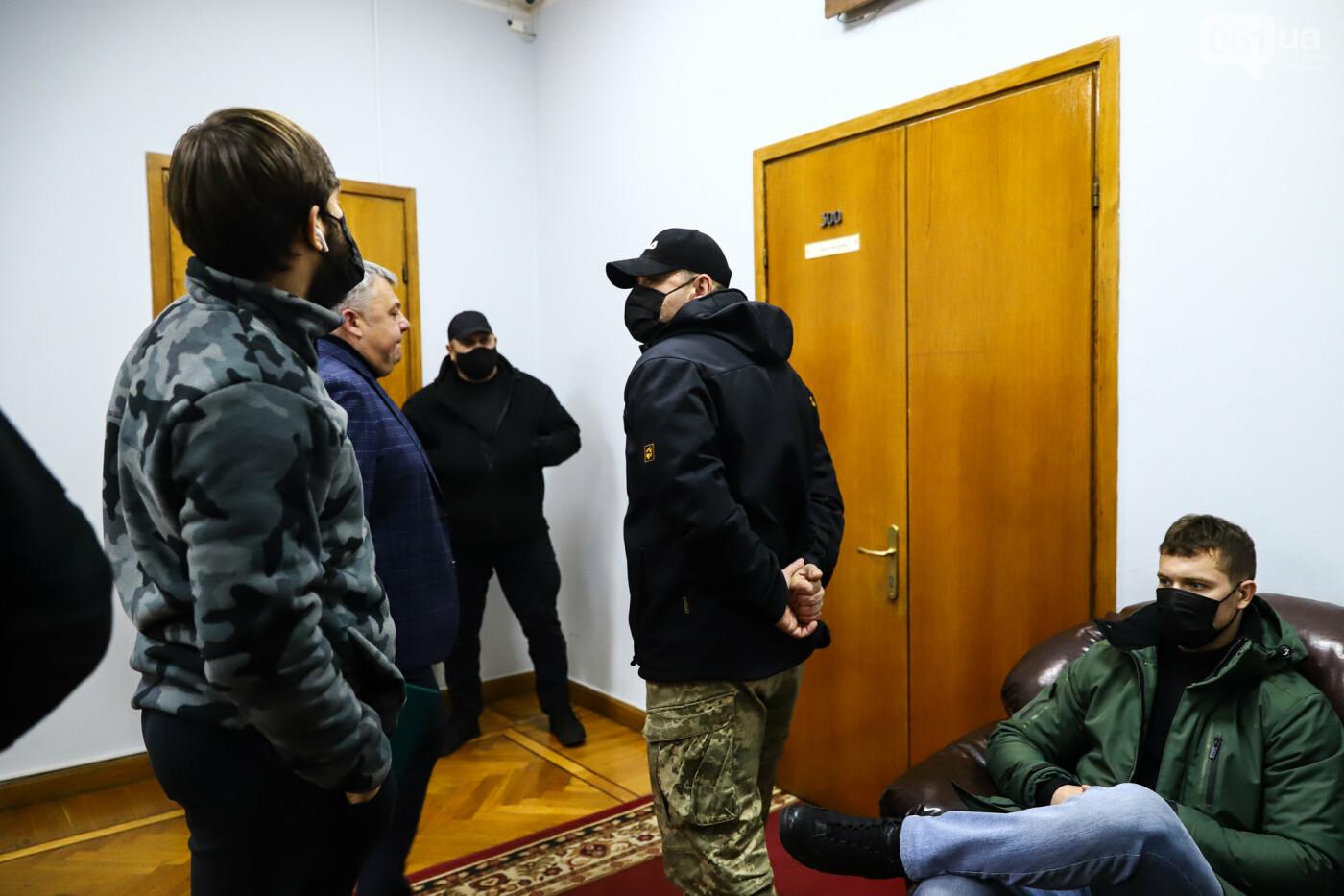 """Тайная """"сессия"""", сотни правоохранителей и стычки с активистами - что происходило в здании Запорожского облсовета, - ФОТО, ВИДЕО , фото-38"""