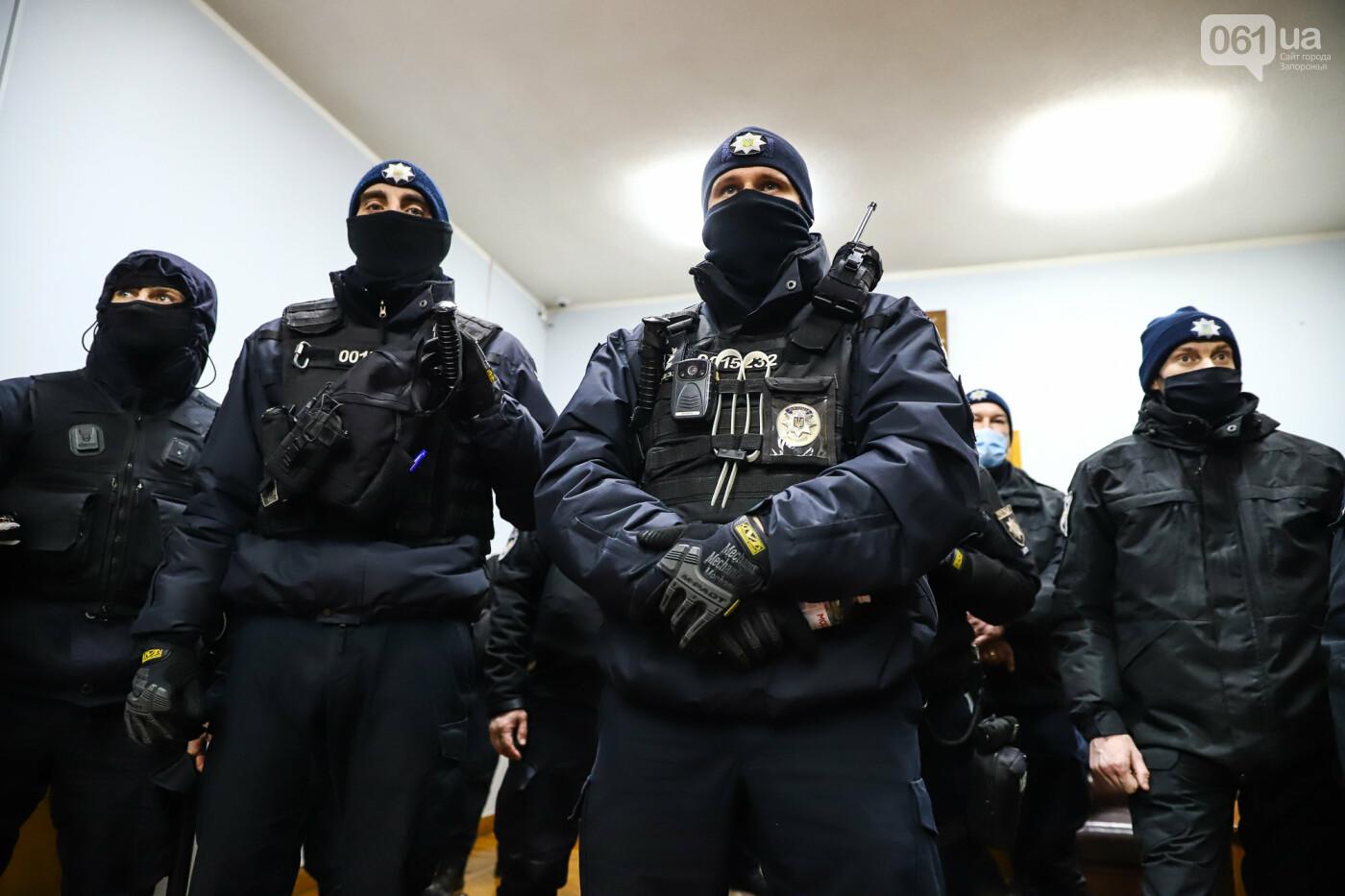 """Тайная """"сессия"""", сотни правоохранителей и стычки с активистами - что происходило в здании Запорожского облсовета, - ФОТО, ВИДЕО , фото-50"""