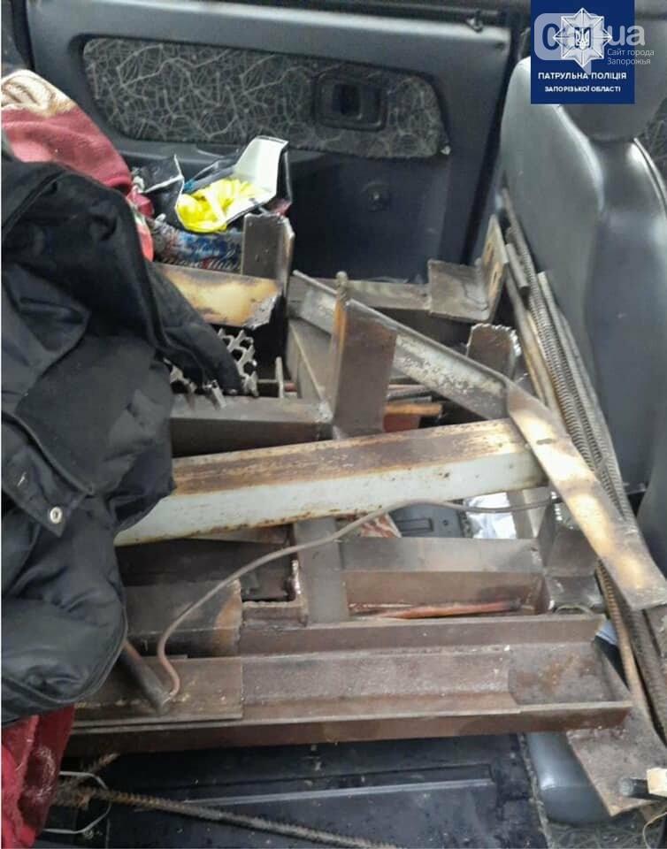 В Запорожье патрульные задержали подозреваемых в краже конструкций с недостроенных мостов, фото-1