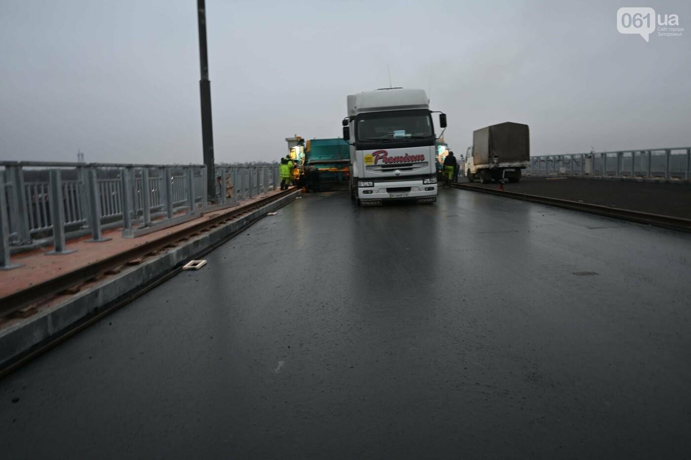 В Службе автодорог показали технологию укладки гусасфальта на строительстве мостов, - ФОТО, ВИДЕО, фото-3