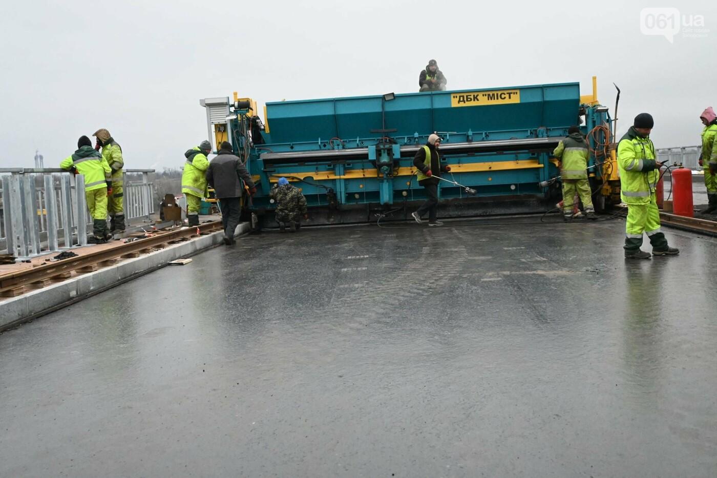 В Службе автодорог показали технологию укладки гусасфальта на строительстве мостов, - ФОТО, ВИДЕО, фото-11