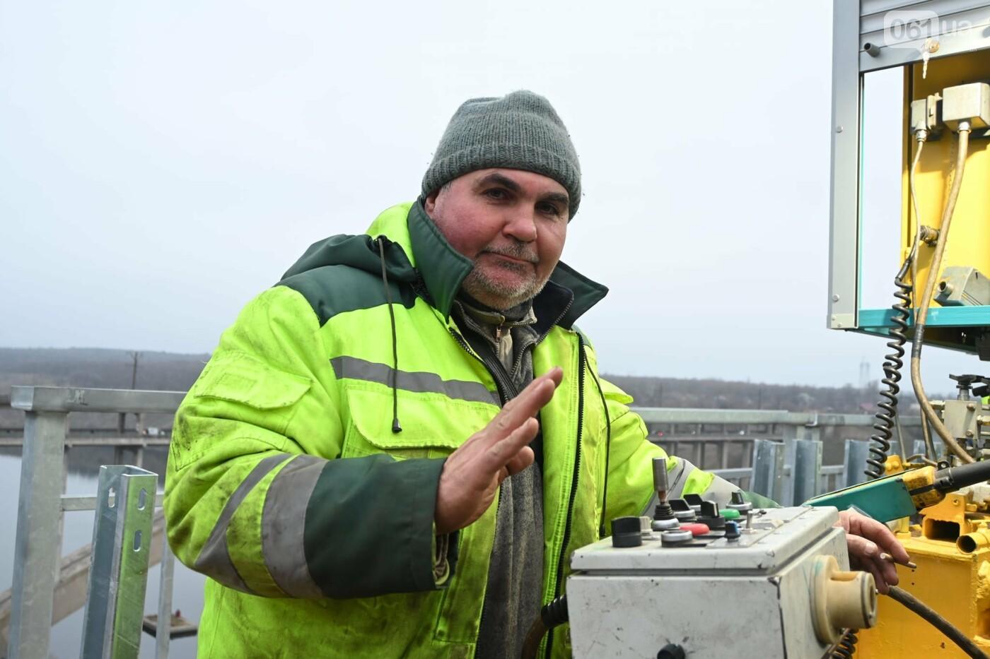 В Службе автодорог показали технологию укладки гусасфальта на строительстве мостов, - ФОТО, ВИДЕО, фото-13