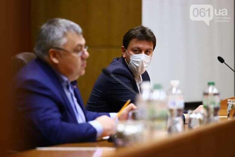 Депутаты Запорожского облсовета собрались на сессию, часть народных избранников говорят, что она нелегитимна , фото-4