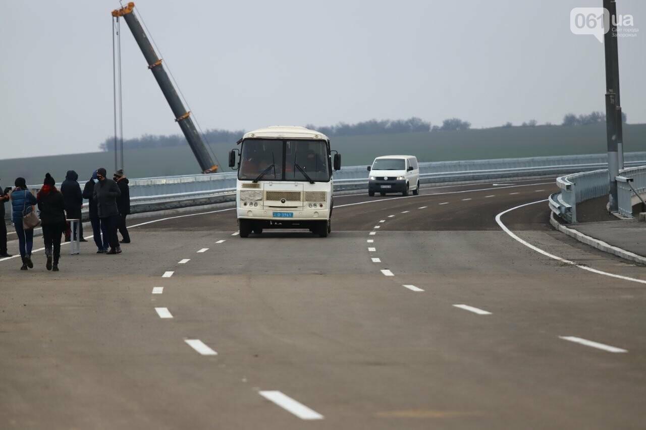 Зеленский в Запорожье проехал по новому мосту, - ФОТОРЕПОРТАЖ, фото-21