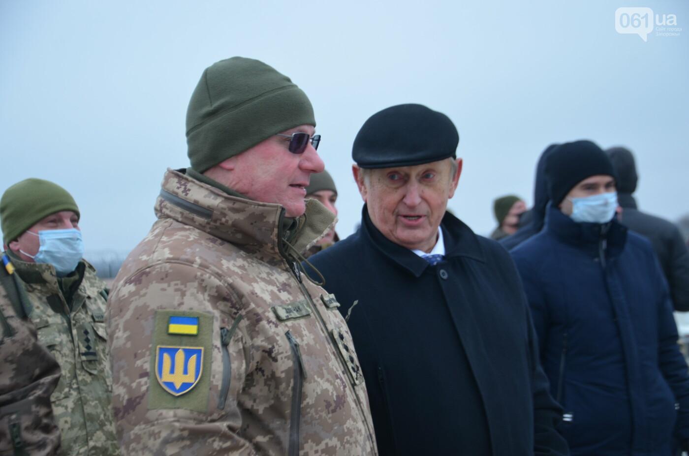 В Запорожье прошли первые испытания новых лопастей для военных вертолетов, - ФОТО, фото-24