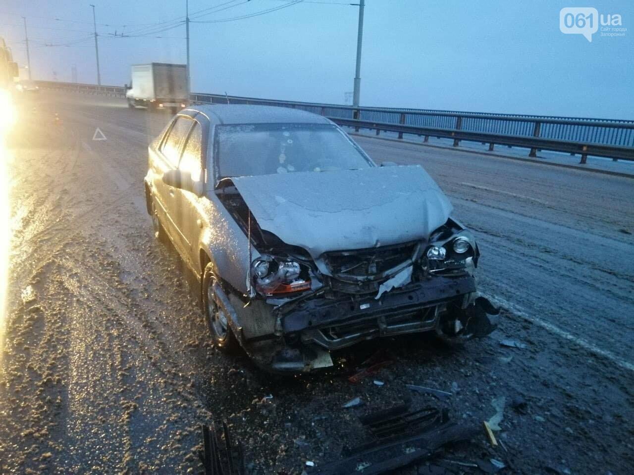 В Запорожье на плотине ДнепроГЭС две иномарки не поделили дорогу, - ФОТО, фото-3